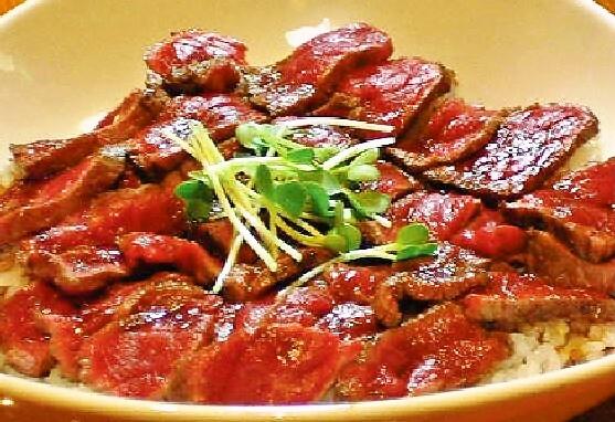 姫路市の-ステーキ丼